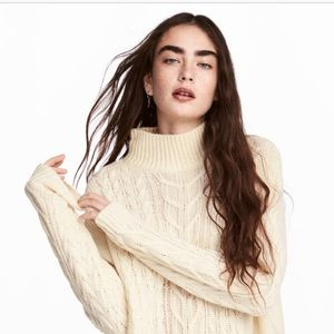Oversized Ivory Cable knit Sweaer from H&M XS NWT